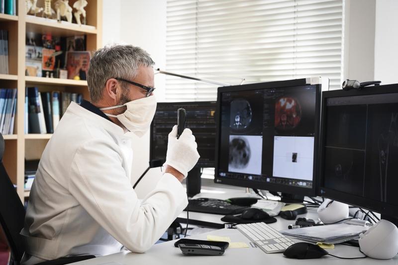 Arzt Schutzmaßnahmen | Corona-Virus Prophylaxe | Praxis im KölnTriangle